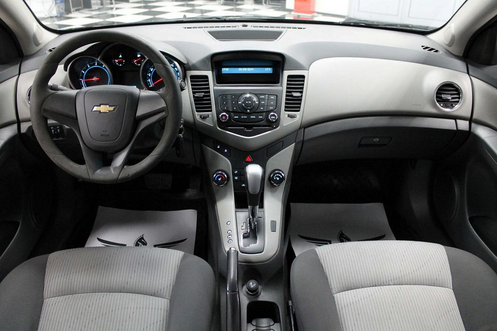 Chevrolet Cruze (AT)